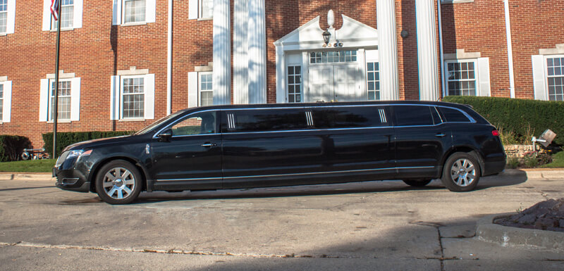 stretch limo service to and from chicago airports